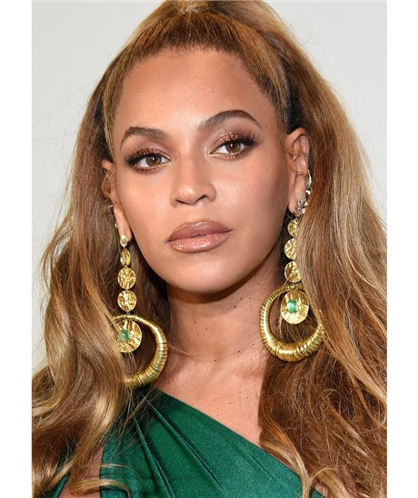 beyonce earrings beyonce wore the best statement earrings 5584